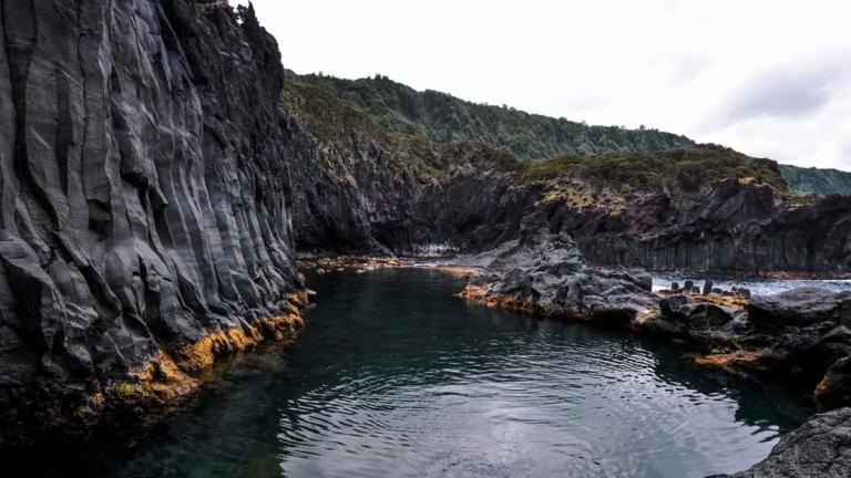 Poço Simão Dias, Ilha de São Jorge - Foto: Alma de Viajante