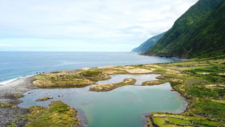 Fajã dos Cubres, Ilha de São jorge. Foto: Viajar entre Viagens